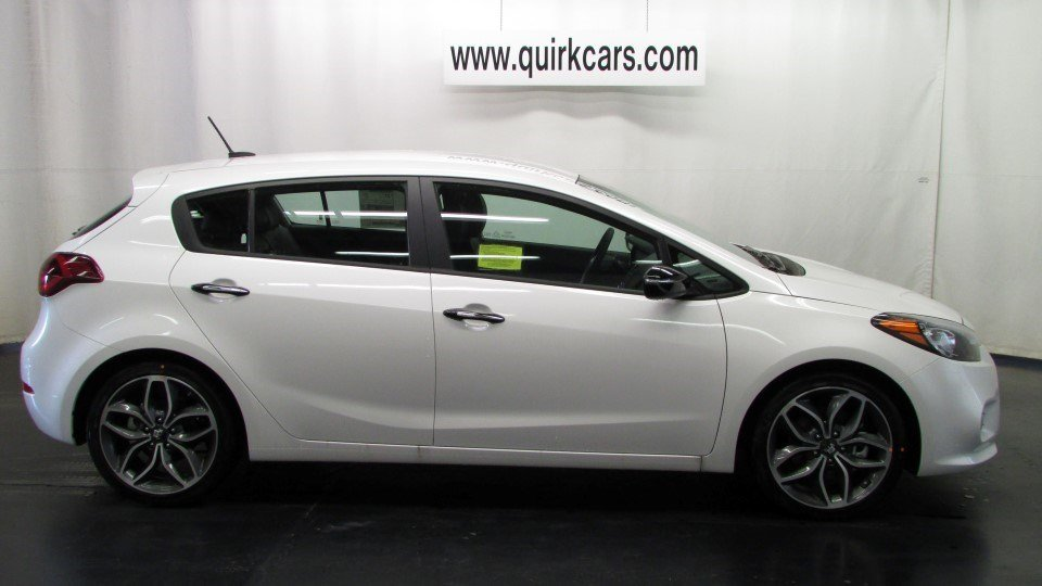 new 2016 kia forte 5 door sx hatchback in braintree k21543 quirk kia. Black Bedroom Furniture Sets. Home Design Ideas